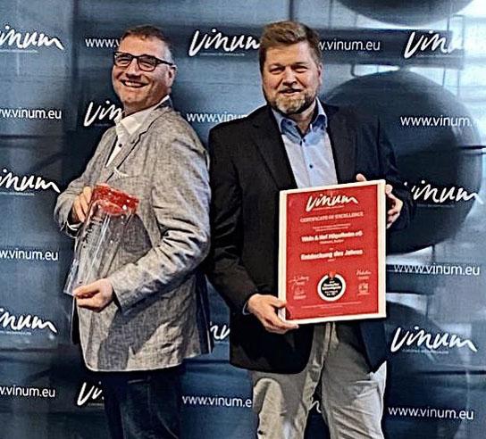 TBenzundMSchneiderVINUM-Auszeichnung-zugeschnitten